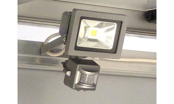 ARC-PV LED Scheinwerfer mit Sensor